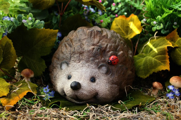 wholesale hedgehog statue